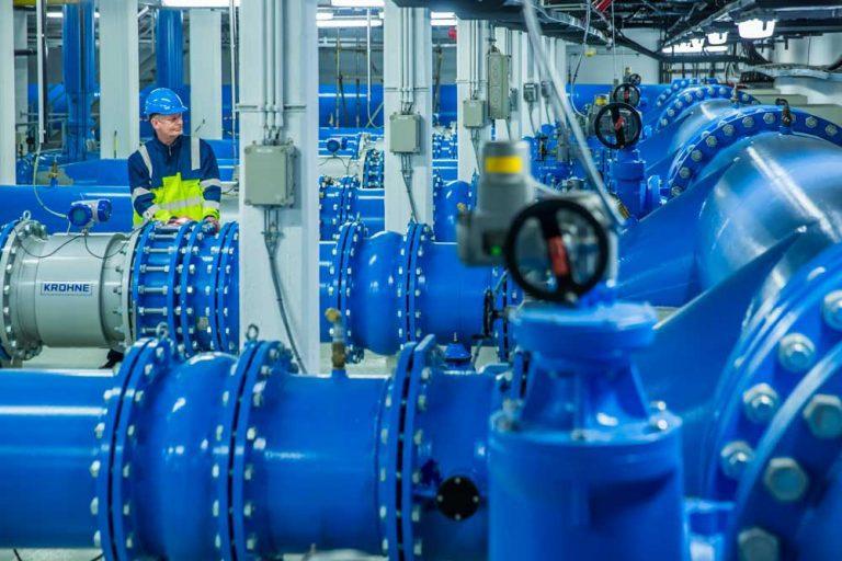 Mitarbeiter im Wasserwerk