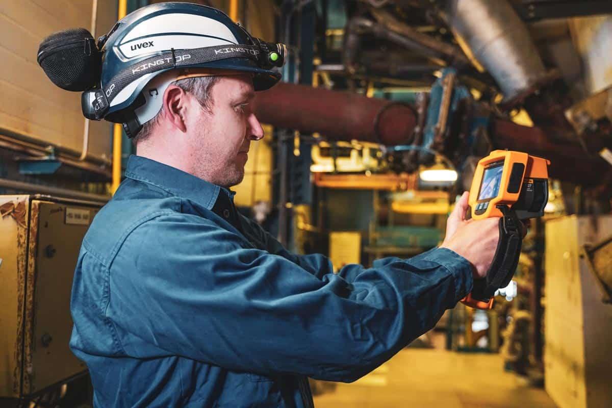 Ingenieur Hendrik Brandenburg im Heizkraftwerk